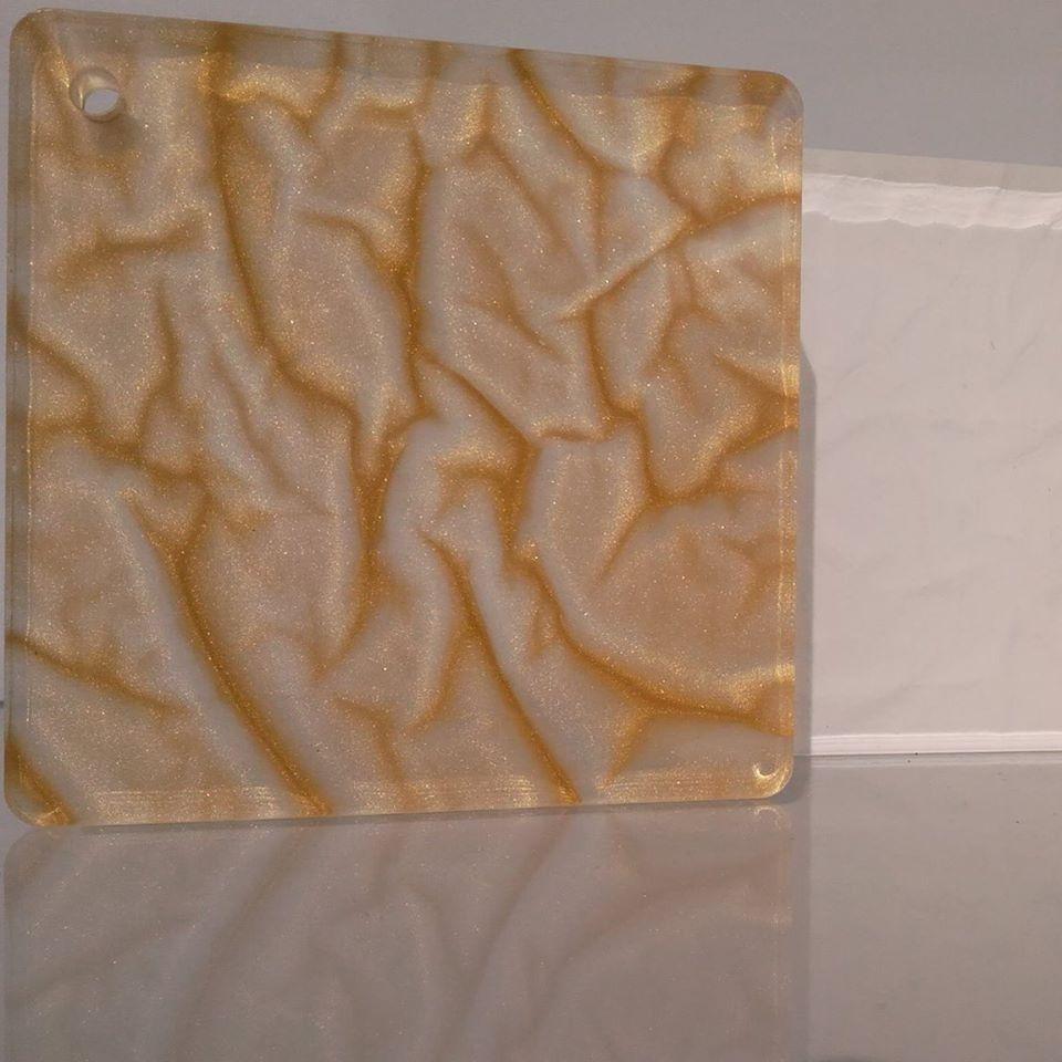 Natura sintetica inglobata nel Plexiglass